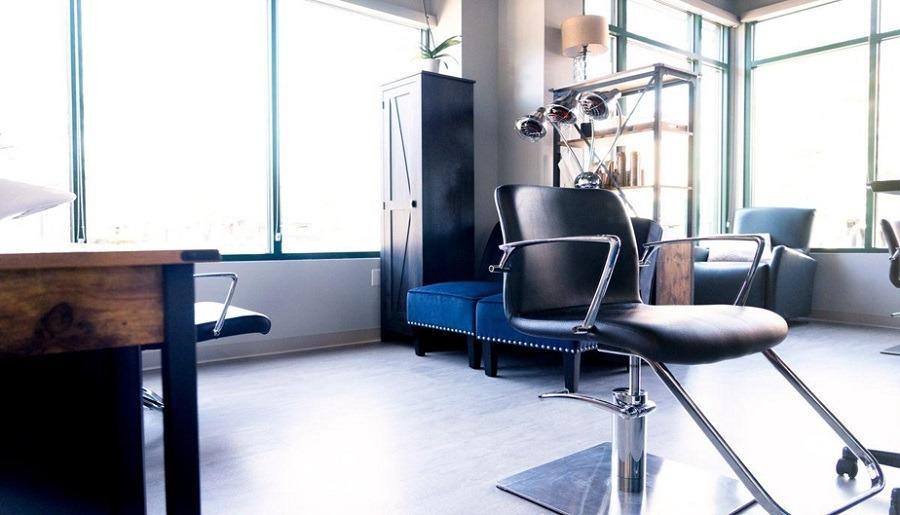 commision stylist salon studio rental