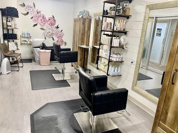 salon studio lease